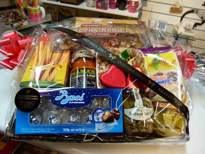 Oliveri's Italian Deli Gift Box